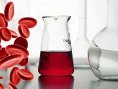 Почему при цистите у женщины и мужчины может появляться кровь в моче?